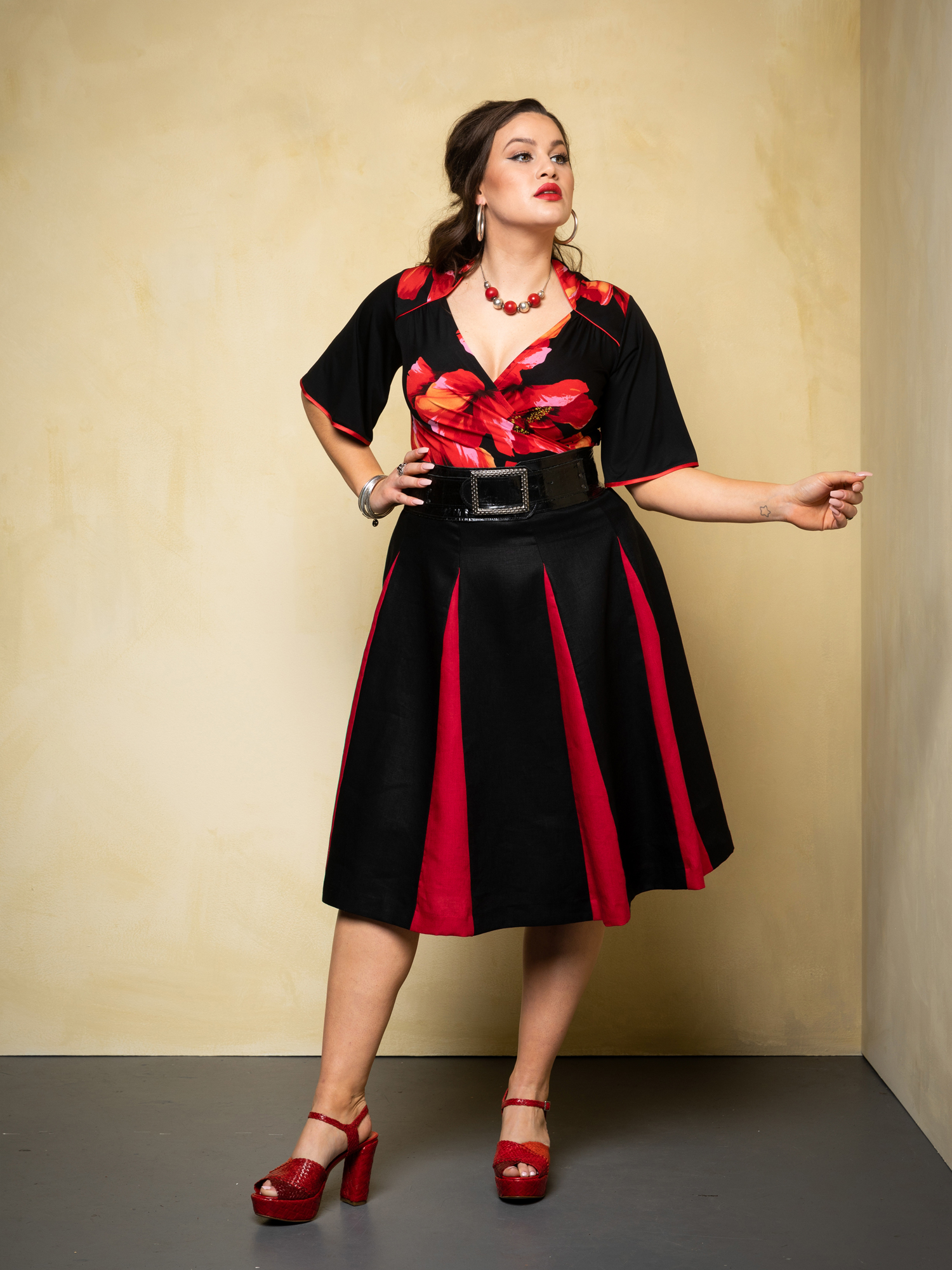 Cardinale.poppy. & Roman Holiday Skirt. bl.red 1.web