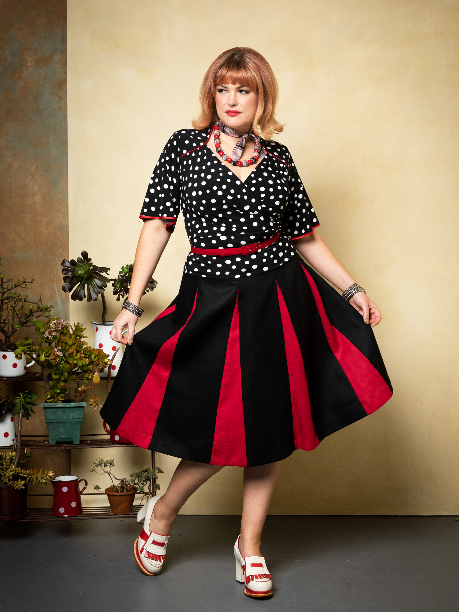 Cardinale.stellina. & Roman Holiday Skirt. blk.red 2.web